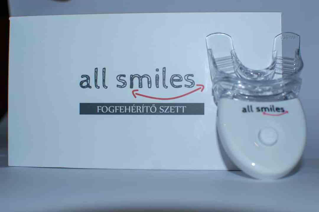 all-smiles-fogfeherito-szett