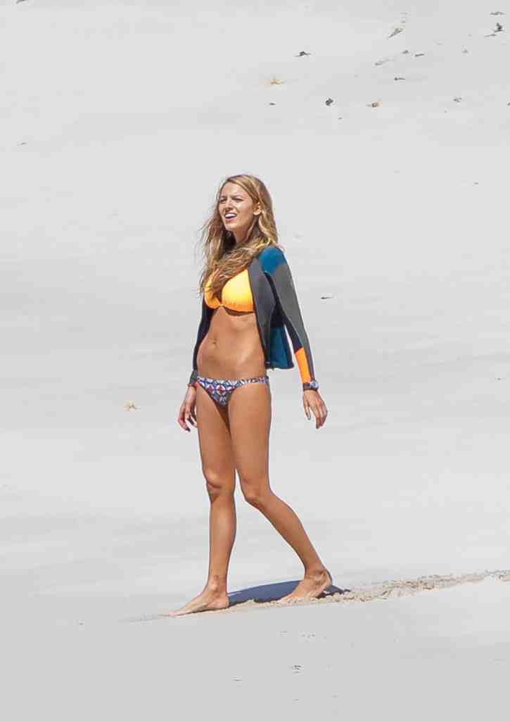 Blake Lively Bikini Photos