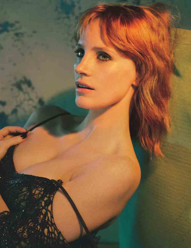 Jessica Chastain Sexy Pics & Boobs