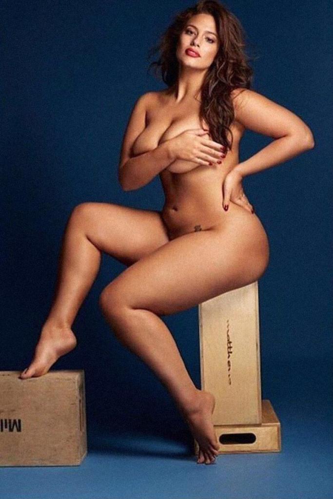 Ashley Graham Nude & Topless Photos