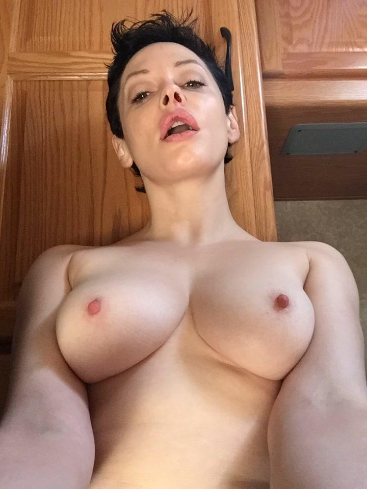 Rose McGowan Nude