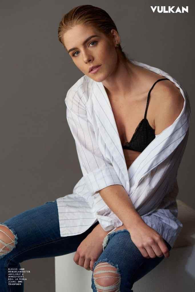 Emily Rickards Braless Shoot