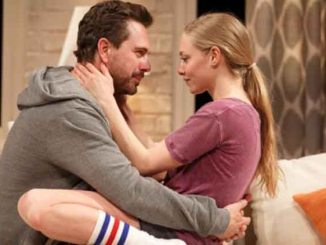 amanda seyfried and thomas sadoski doing romance