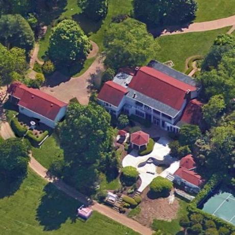 500 × 500Images may be subject to copyright. Find out more Dolly Parton's House in Brentwood, TN
