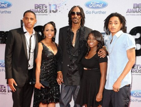 The family picture of Julian Broadus