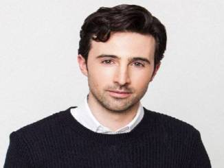 Josh Zuckerman Age, Bio, Wife, Girlfriend, Height, Career, Wiki & Movies