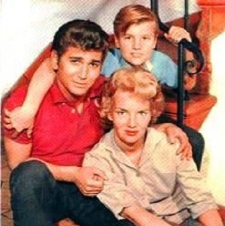 Dodie Levy-Fraser and Michael Landon with their elder son
