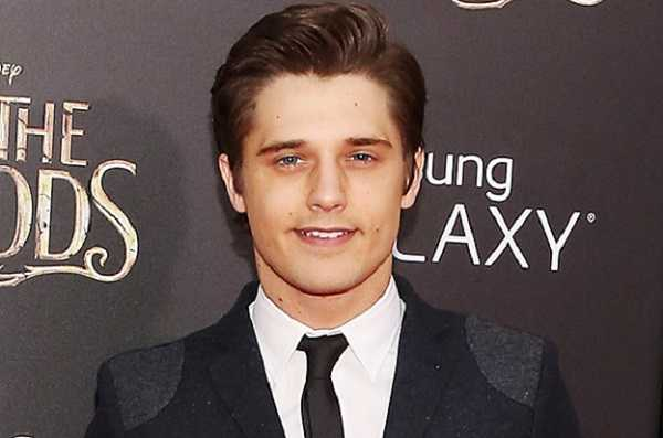 Andy Mientus Age, Height, Net Worth, Married, Husband, Children, & Wiki