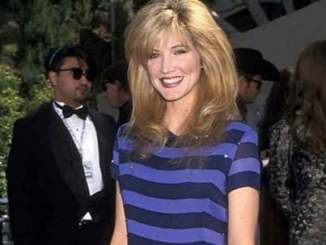 Singer and song-writer Crystal Bernard photo