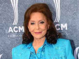 Singer Loretta Lynn