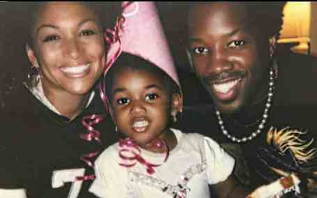 Young Photo of Sophia Hardison while she with her parents.