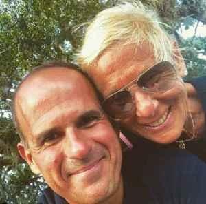 Image:Marcus Lemonis with his wife