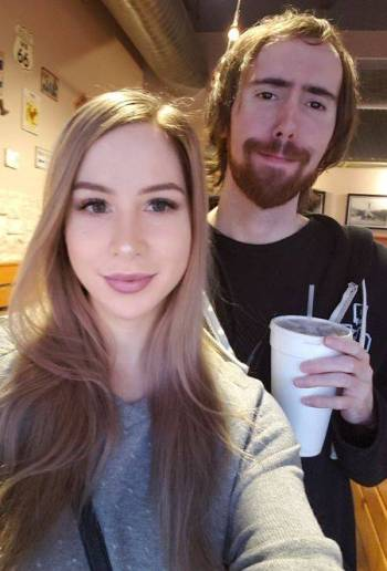 Pink Sparkles and Asmongold