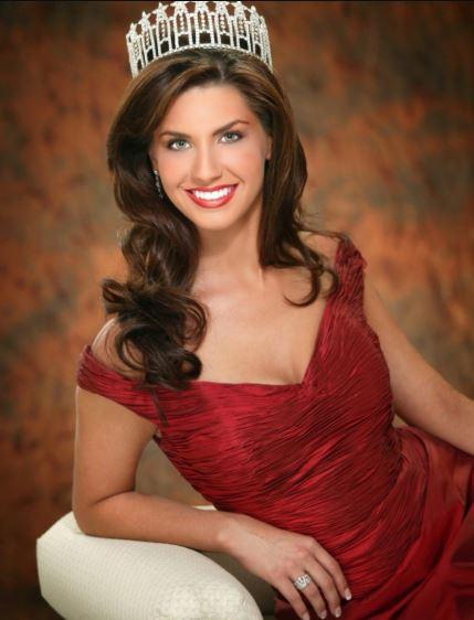 Photo of Nicole O'Brian wearing Miss USA crown.