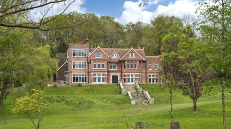 Dashiell John Upton house located in Flower Pefectbush, England, the U.K.
