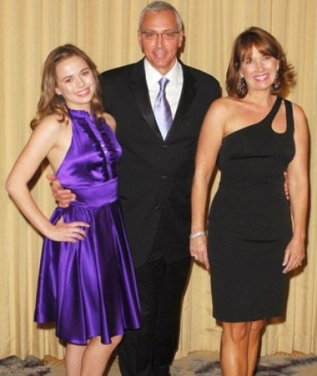 Paulina Marie Pinsky with her lovely parents in 2009.