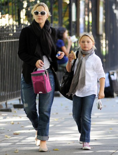 Mia Honey Threapleton along with her mother