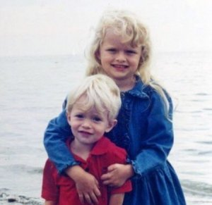 Childhood Image of Andrea Brooks along with her brother, Matt Brooks