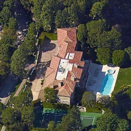 Elissa's home in Los Angeles where she stays with her family.