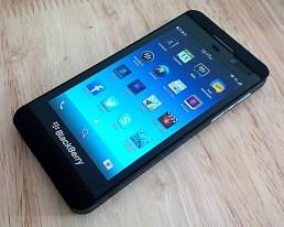 Blackberry_Z10 is smartphones under 15000