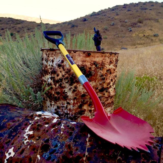 The Super Shovel has a spiked blade, fiberglass handle and plastic D Grip.