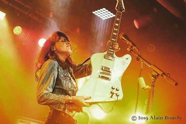"""Guitarist Laura Cox Discusses Her Upcoming New Album """"Burning Bright"""""""