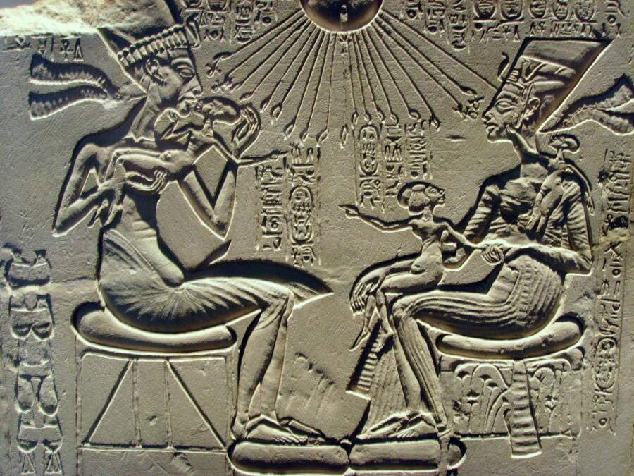 Akhenaten With Nefertiti And Their Children