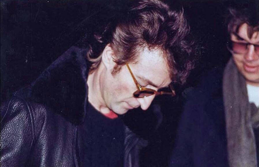 John Lennon And Mark David Chapman
