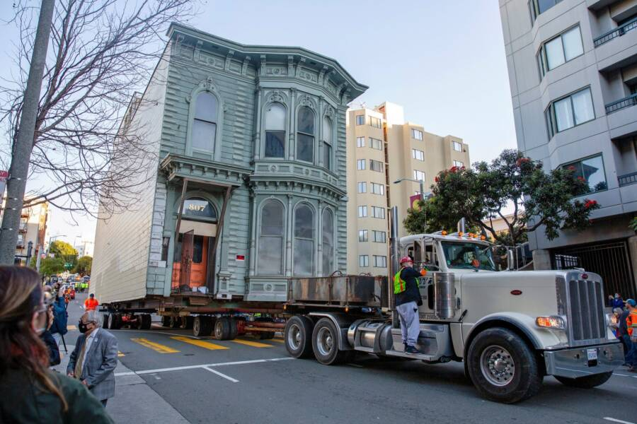 Victorian San Francisco House Being Transported