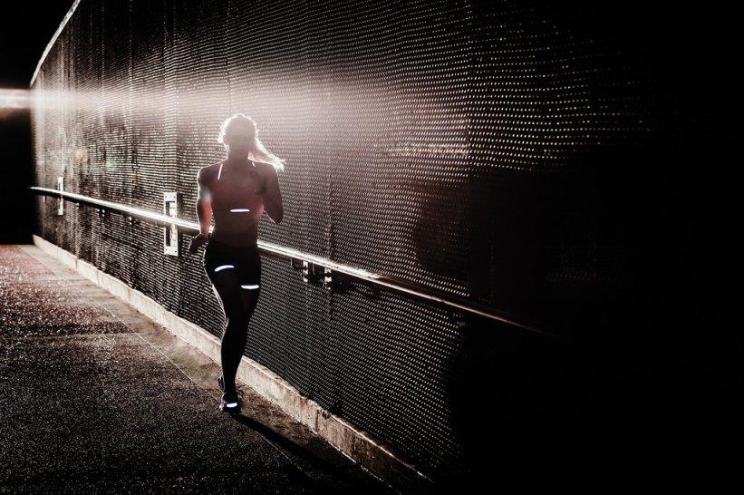 20161111_-_Girl_Running_1024x1024