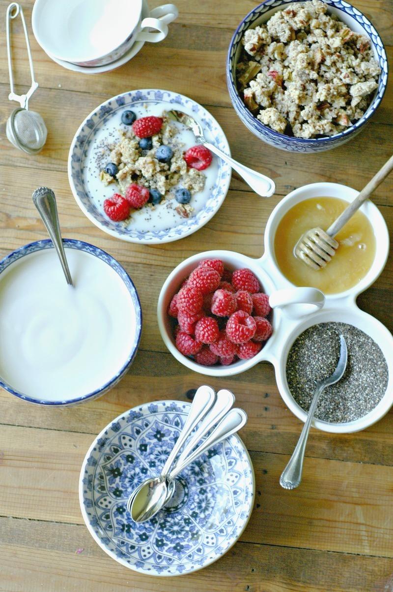 healthy yogurt no-cook breakfast bar