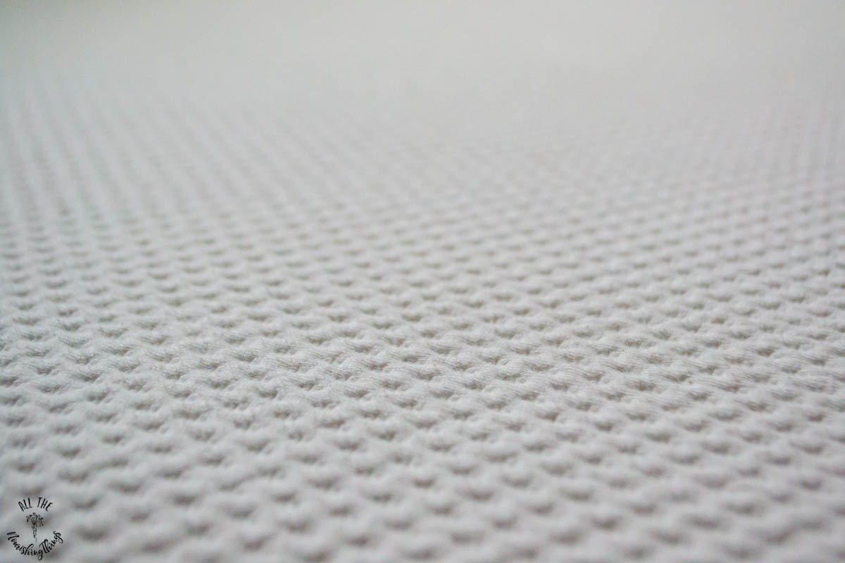 organic cotton cover for in-depth review of essentia's classic8 organic memory foam bed