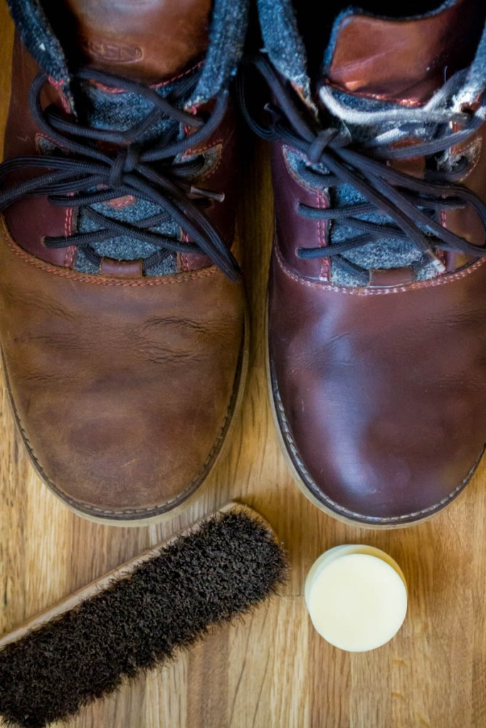 DIY Boot Wax & Leather Conditioner (works for ALL leather: shoes, purses, wallets, & car seats!)