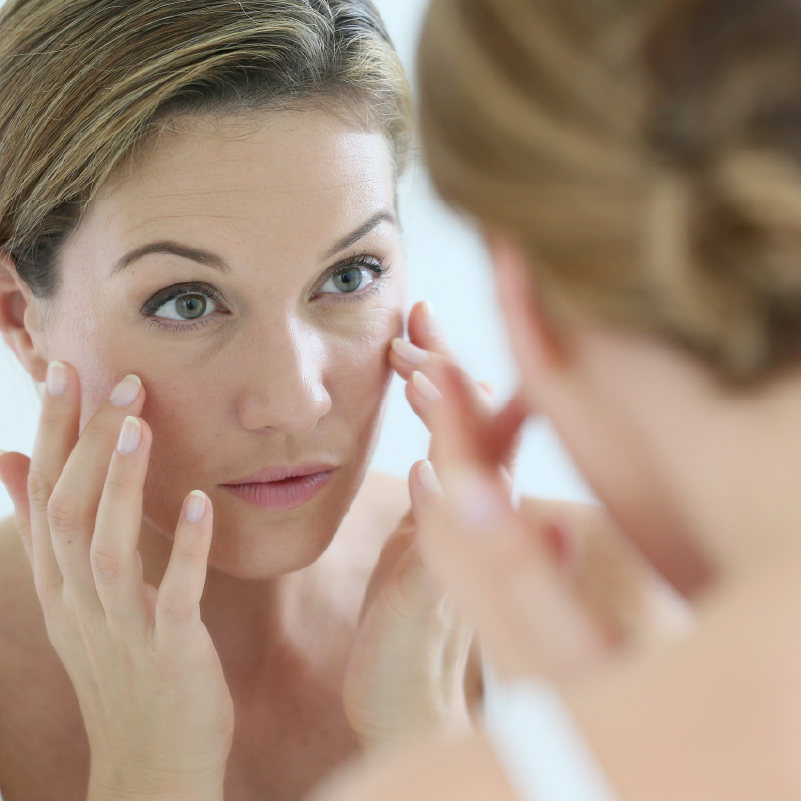 Slow The Aging Process Naturally: 5 Daily Tips