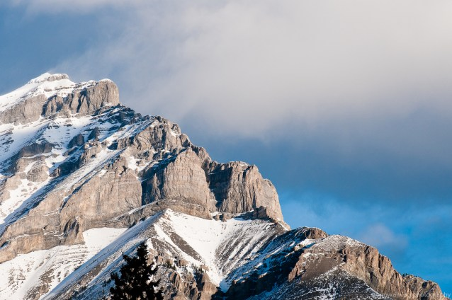 a morning breeze blowing some snow off the top of mount norquay. this was the view from the hotel; not too shabby.