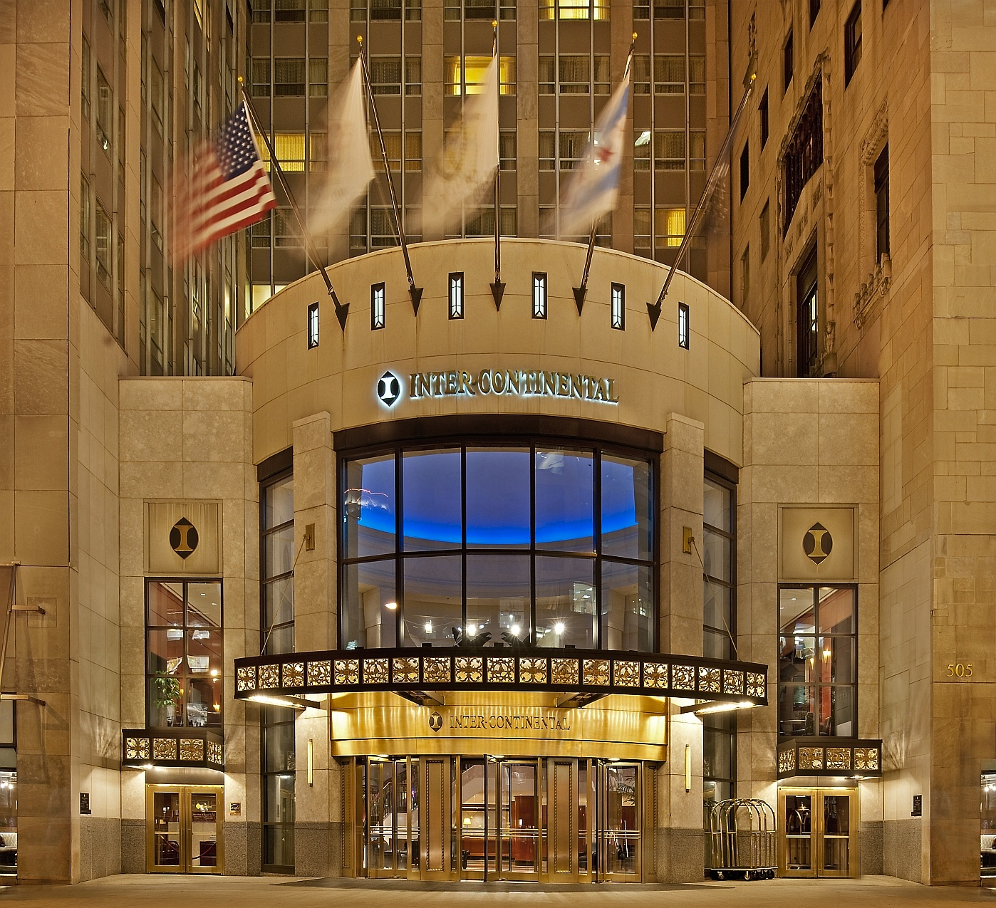 Intercontinental Chicago Hotel is Historic Yet Modern