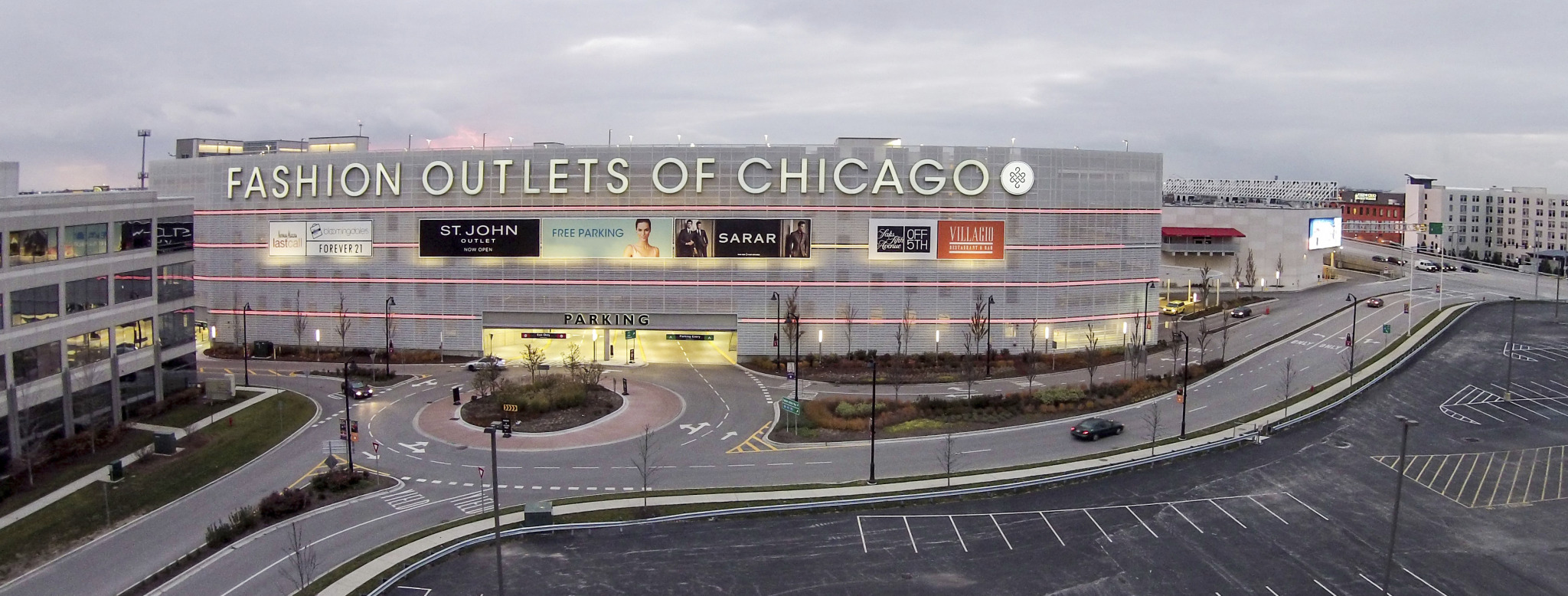 Fashion Outlets of Chicago: Luxe Shopping When You're Stuck at O'Hare