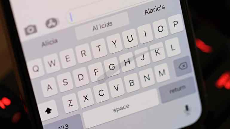 iPhone Swipe Slide to Type Keyboard iOS 13