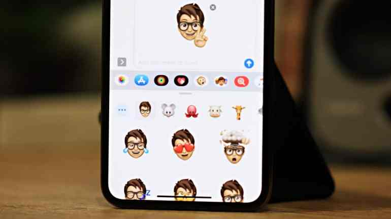 iOS-13-Memoji-Stickers-iPhone