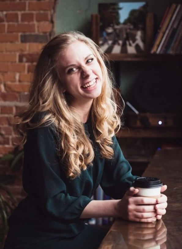 4 Reasons Every Christian Girl Should Read the Bible | All Things Allison  Marie