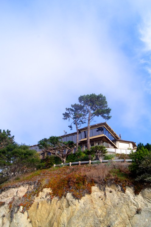 A house perched above the cliffs of Big Sur