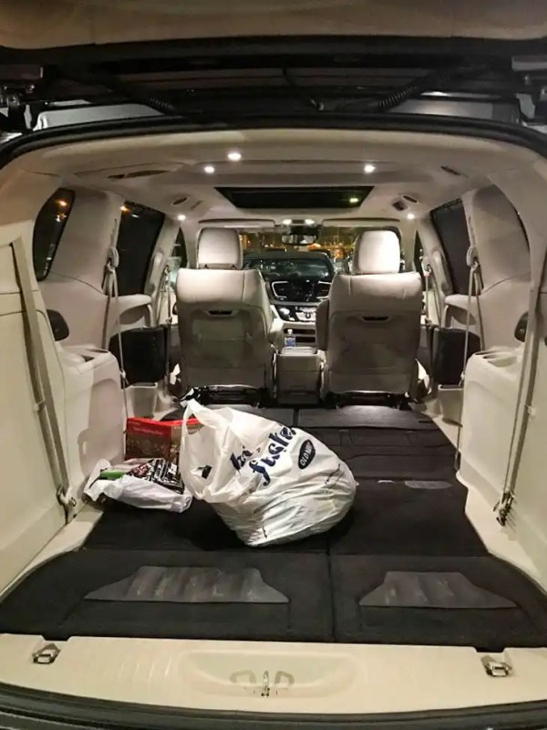 chrysler-pacifica-cargo-space