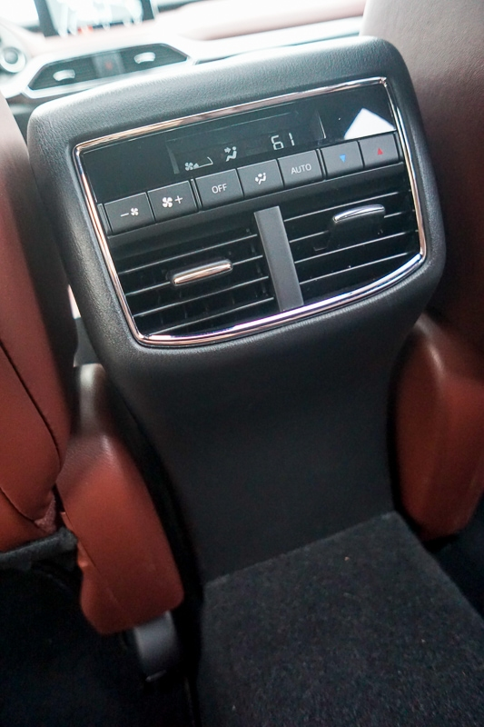 Mazda CX-9 rear climate control