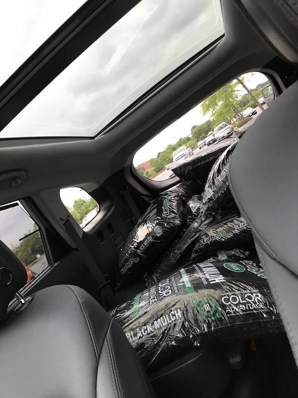 Hyundai Santa Fe - lots of mulch