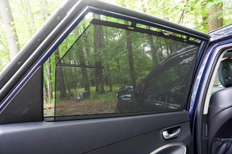 Hyundai Santa Fe - sunshade