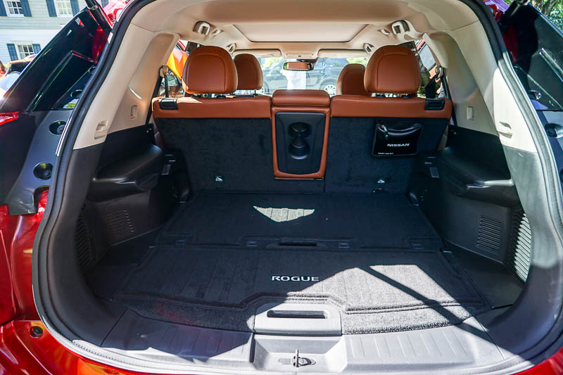 Nissan Rogue - cargo space