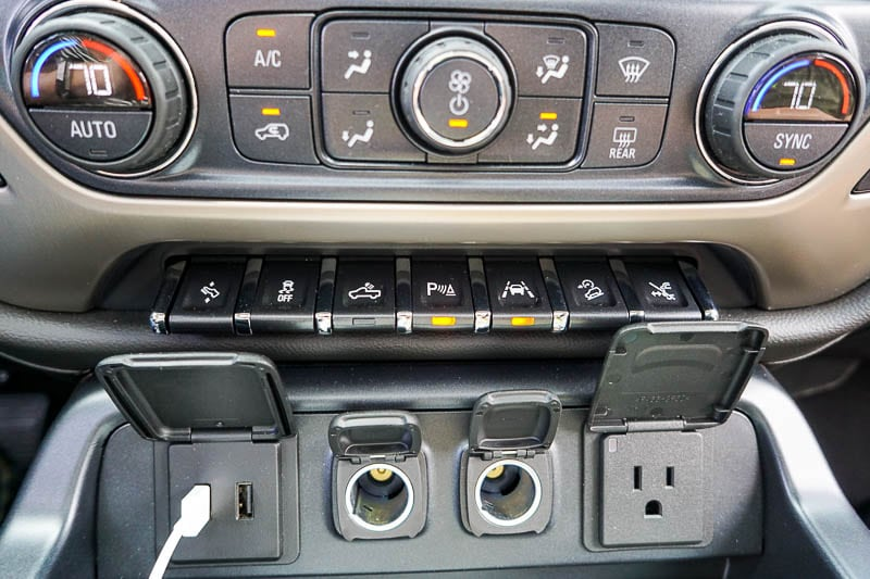 Connection ports in GMC Sierra Denali