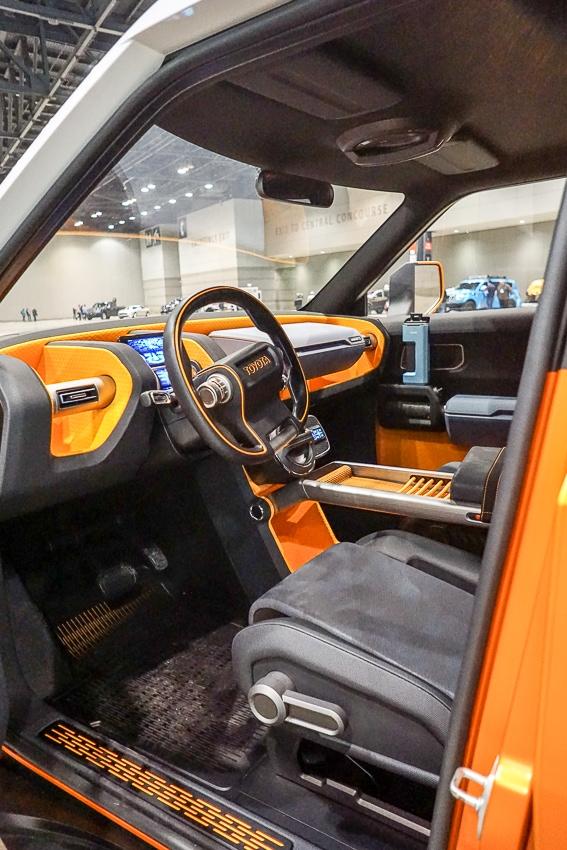 Auto Shows-Toyota FT-AC interior