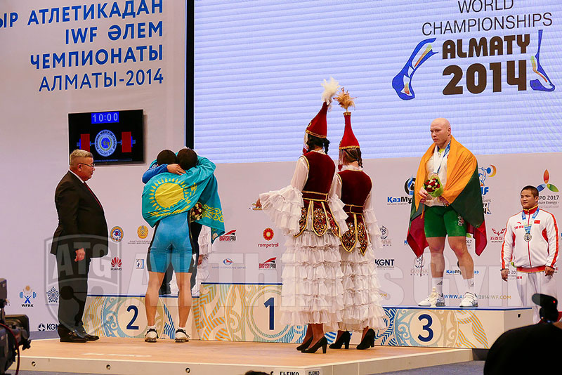 zhassulan-kydyrbaev-vladimir-sedov-podium-hug-almaty-2014