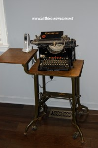 office_typewritertable
